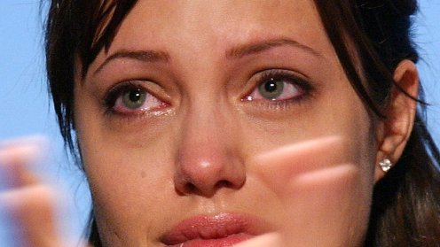 jolie_cry_tears.jpg